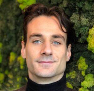 Bernard Pietraga, SRE, DevOps Engineer, Painter, CoFounder of Cre-Acta